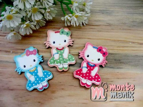 Ornamen-kayu-hello-kitty
