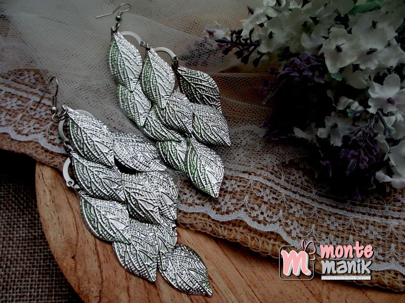 anting-hias-model-daun