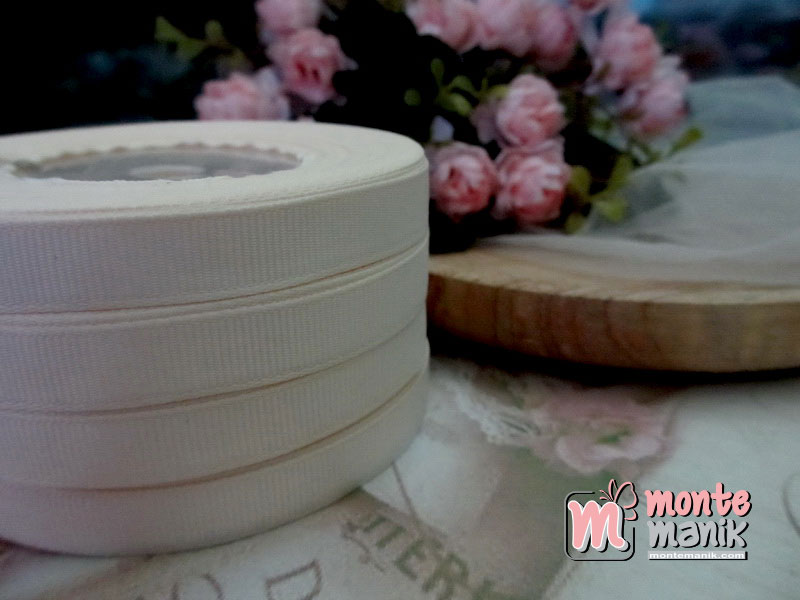 pita-grosgrain-1cm-cream