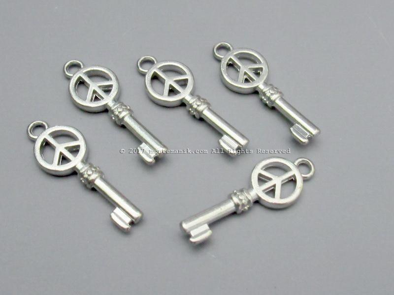Charm Kunci Peace Nikel (ALA-024)