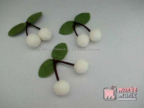 Aplikasi Cherry Pom-Pom Creamy 1,5 cm (ALL-018)