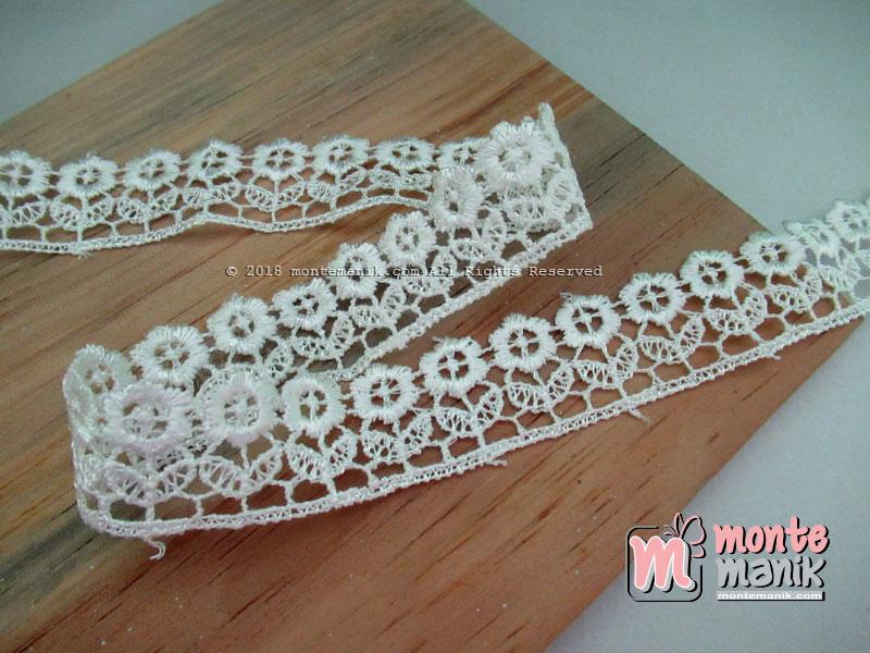 Renda Gyper Bunga Rumput Putih -027