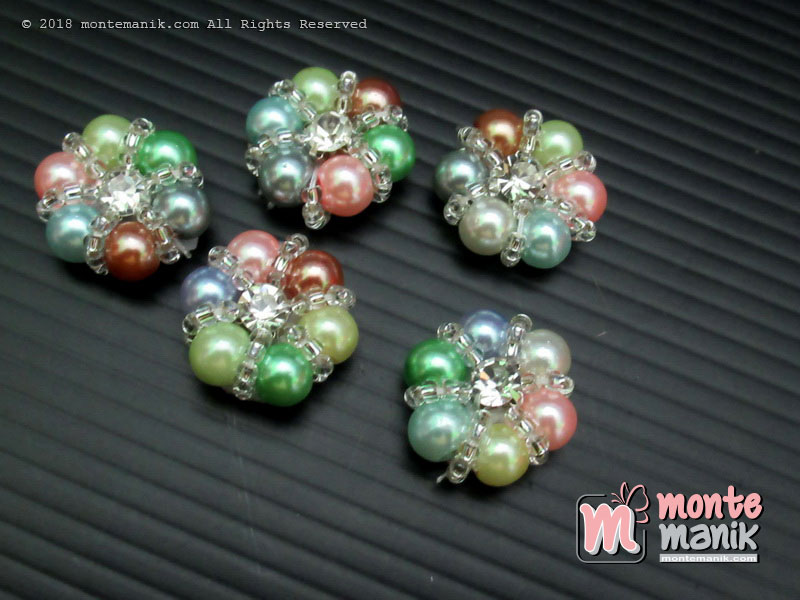 Aplikasi Diamond Mutiara warna-warni 18 mm (DMD-055)