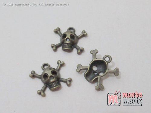 Charm Tengkorak logam 15 mm hijau bakar (ALA-019)