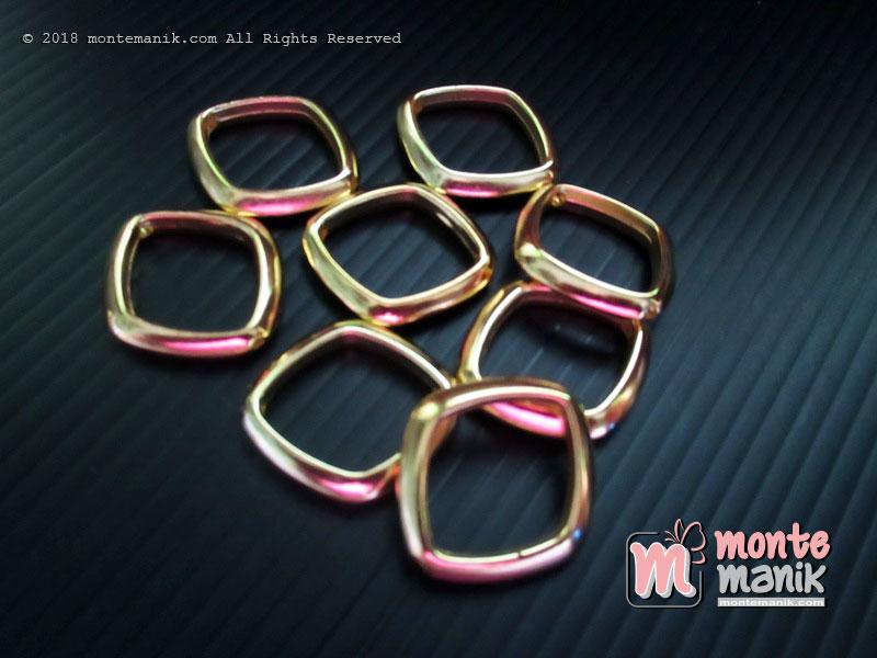 12 Pcs Pembatas manik Plastik Ketupat Emas 1,5 x 1,5 mm (SPACER-038)