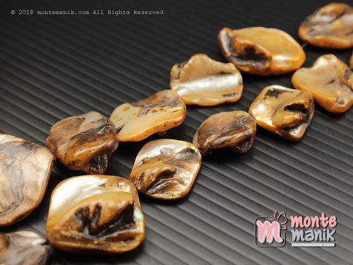 12 Pcs manik kerang nugget Coklat (MNKG-017)