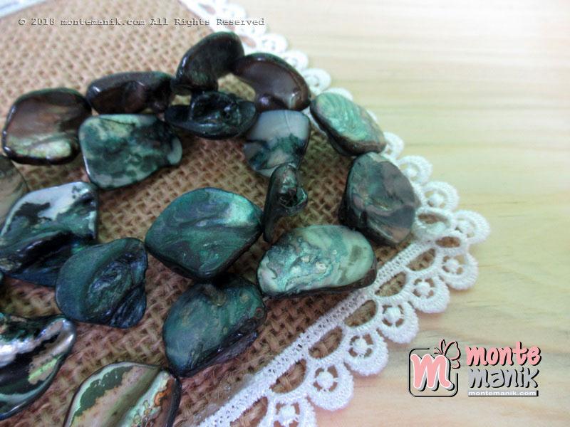 12 Pcs manik kerang nugget Hitam (MNKG-012)
