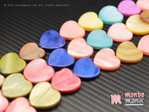12 Pcs Manik Kerang Hati 1,5 cm Campur warna (MNKG-027)