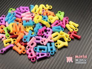 100 Pcs Manik Plastik Huruf Solid 12 mm (MPA-0178)