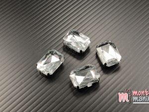 4 pcs Aplikasi Diamond Persegi Putih bening 1,3 x 1,8 cm (DMD-065)