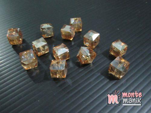 10 Butir Kristal Ceko Kubus 9 mm Coklat Muda (KRISTAL-137)